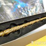 【3】杖はわたしが選ぶ!娘が手にしたハーマイオニー・デザイン。